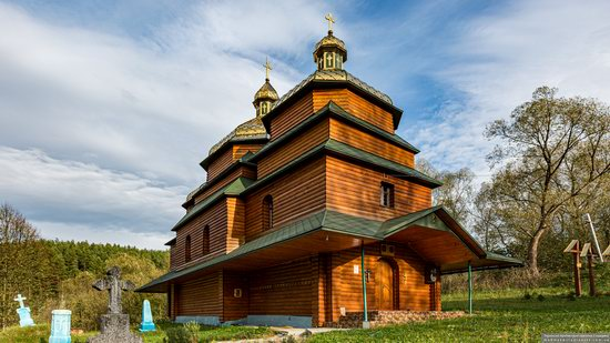 Church of the St. Archangel Michael in Hvozdets, Lviv Oblast, Ukraine, photo 1