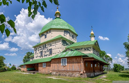 Church of the Exaltation of the Holy Cross in Volsvyn, Ukraine, photo 5