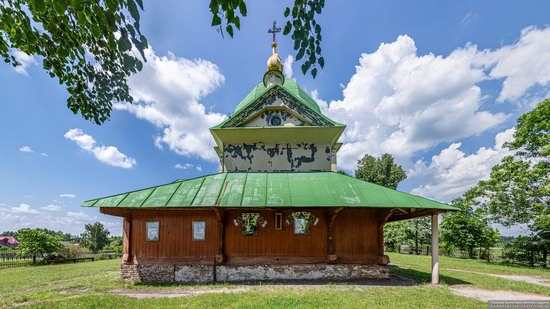 Church of the Exaltation of the Holy Cross in Volsvyn, Ukraine, photo 6