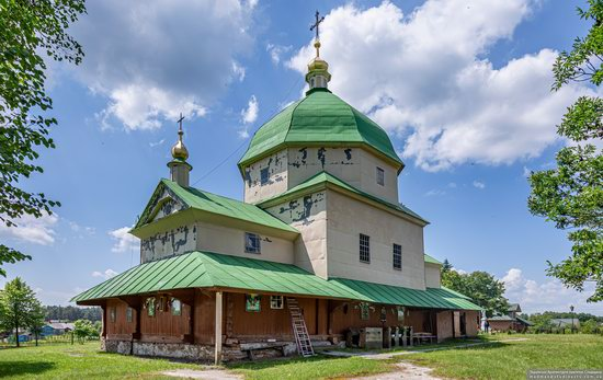 Church of the Exaltation of the Holy Cross in Volsvyn, Ukraine, photo 7