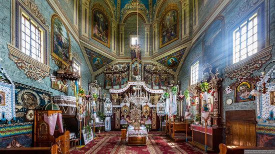 Church of the Exaltation of the Holy Cross in Volsvyn, Ukraine, photo 9