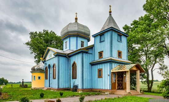 Church of the Holy Trinity in Shpykolosy, Lviv Oblast, Ukraine, photo 1