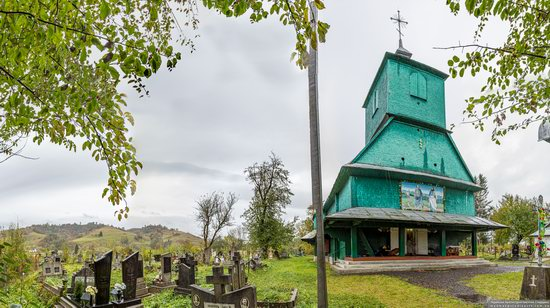 Church of the Holy Apostles Peter and Paul in Lazeshchyna, Zakarpattia Oblast, Ukraine, photo 1