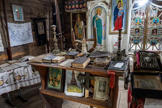 Church of the Holy Spirit in Kolochava, Zakarpattia Oblast, Ukraine, photo 8