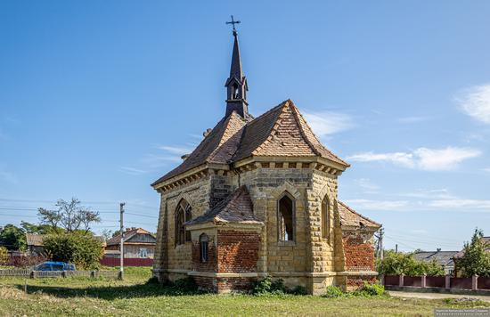 Roman Catholic Church-Chapel in Antoniv, Ternopil Oblast, Ukraine, photo 4