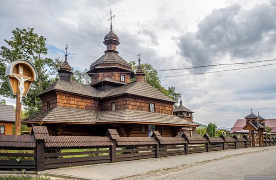 Church of the Assumption of the Virgin in Hvizd, Ivano-Frankivsk Oblast, Ukraine, photo 1