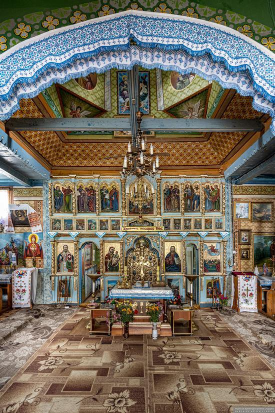 Church of the Assumption of the Virgin in Hvizd, Ivano-Frankivsk Oblast, Ukraine, photo 9