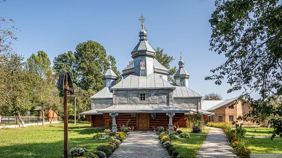 Church in Horishnje Zaluchchya, Ivano-Frankivsk Oblast, Ukraine, photo 2