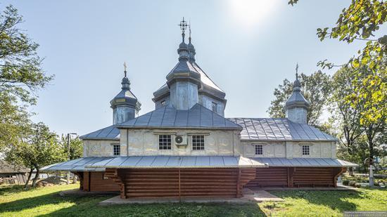 Church in Horishnje Zaluchchya, Ivano-Frankivsk Oblast, Ukraine, photo 4