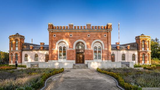 Sadhora Synagogue in Chernivtsi, Ukraine, photo 1