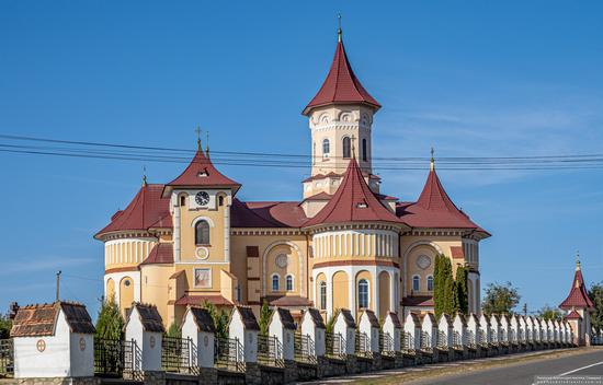 Church of St. Elijah in Toporivtsi, Chernivtsi Oblast, Ukraine, photo 2