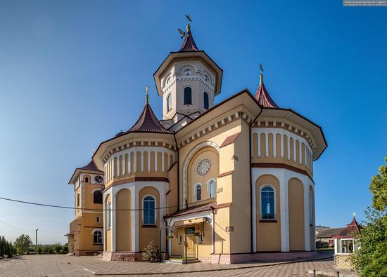 Church of St. Elijah in Toporivtsi, Chernivtsi Oblast, Ukraine, photo 4