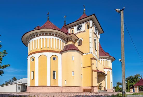 Church of St. Elijah in Toporivtsi, Chernivtsi Oblast, Ukraine, photo 5