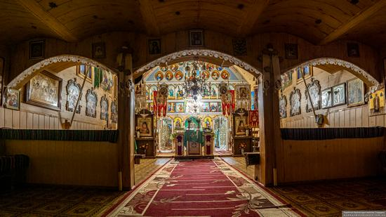 Church of St. Michael the Archangel in Nehrovets, Ukraine, photo 5
