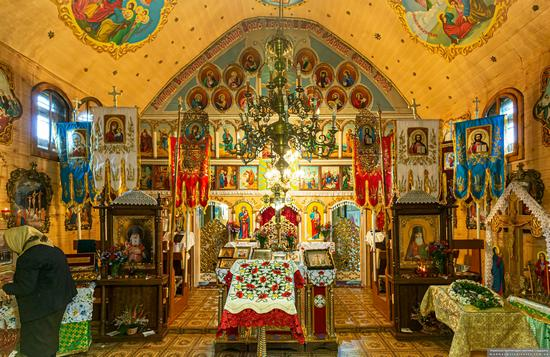 Church of St. Michael the Archangel in Nehrovets, Ukraine, photo 6