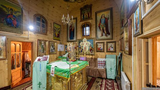 Church of St. Michael the Archangel in Nehrovets, Ukraine, photo 7