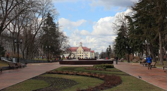 Mid April in the center of Chernihiv, Ukraine, photo 11