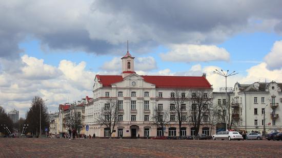 Mid April in the center of Chernihiv, Ukraine, photo 4