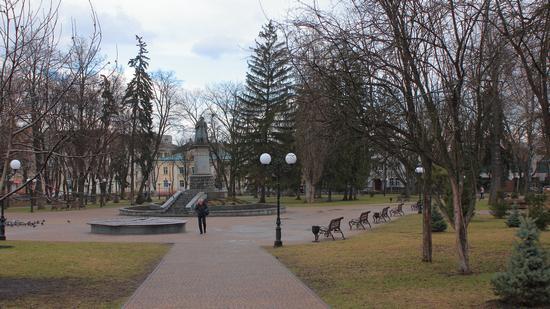 Mid April in the center of Chernihiv, Ukraine, photo 8