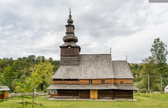 Church of the Nativity of the Blessed Virgin in Pylypets, Ukraine, photo 2