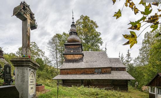 Church of the Presentation of the Virgin Mary in Roztoka, Zakarpattia Oblast, Ukraine, photo 1