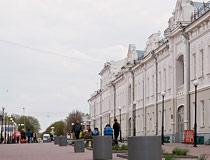 glukhov ukraine main street - مدينة غلوخوف ، أوكرانيا (هلوخيف)