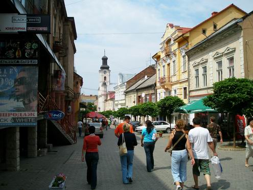 УЖГОРОД Uzhgorod-ukraine-city-views-15